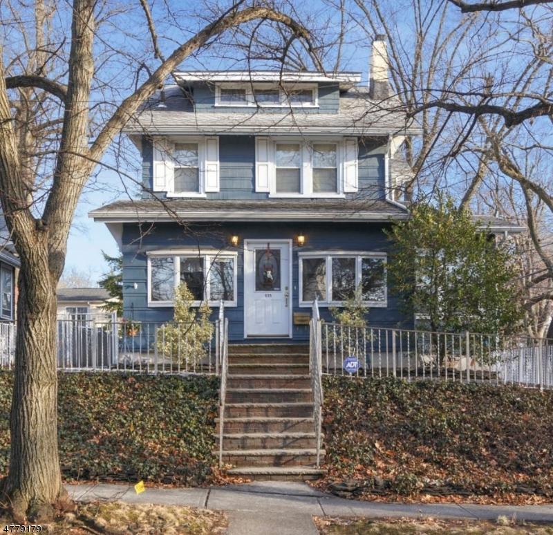 Maison unifamiliale pour l Vente à 135 Wheaton Place Rutherford, New Jersey 07070 États-Unis