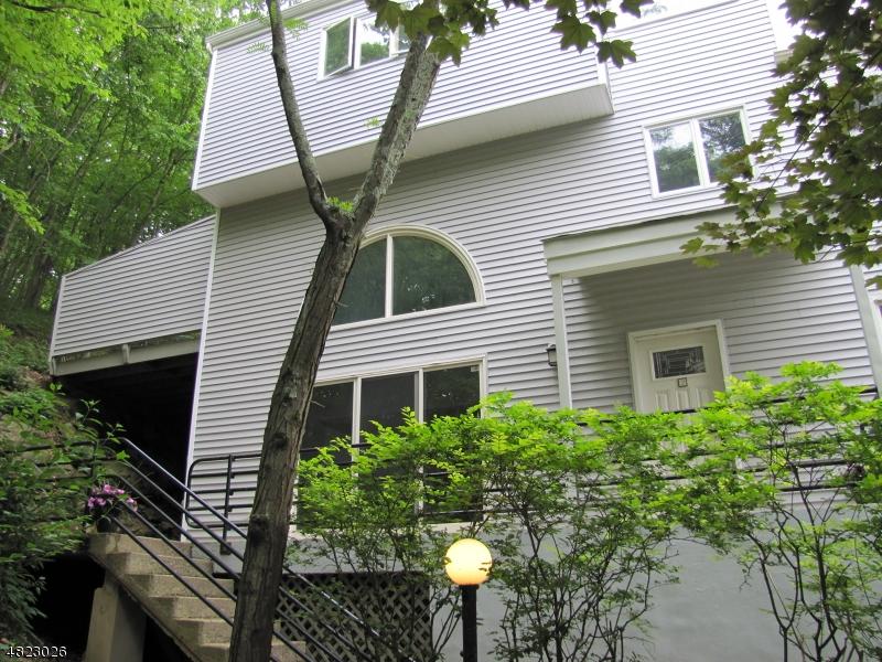 Condominio/ Casa de pueblo por un Alquiler en 44 CHESTNUT ST Unit 2 Morristown, Nueva Jersey 07960 Estados Unidos