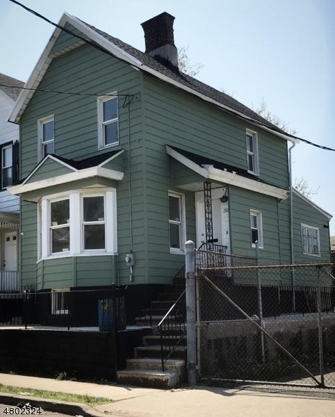 Property pour l Vente à 150 WARD Street Orange, New Jersey 07050 États-Unis