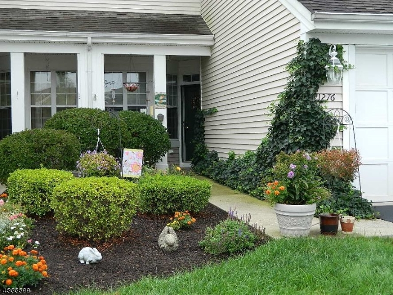 Condominium for Sale at 1276 FAIRVIEW CIR 1276 FAIRVIEW CIR Lopatcong, New Jersey 08886 United States