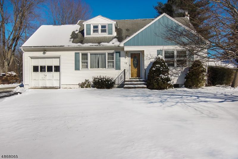 Tek Ailelik Ev için Satış at 14 SPRINGDALE GARDENS Road Andover, New Jersey 07860 Amerika Birleşik Devletleri