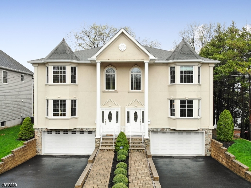 Villas / Townhouses for Sale at 74 STUYVESANT CT 74 STUYVESANT CT Clifton, New Jersey 07013 United States