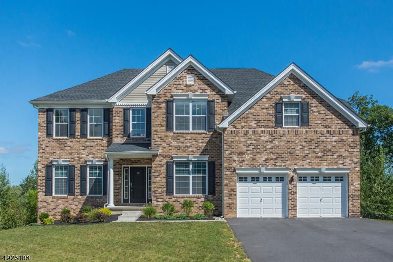 Single Family Homes für Verkauf beim Mount Olive, New Jersey 07828 Vereinigte Staaten