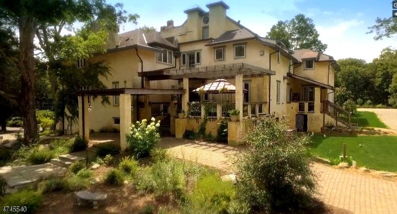 Single Family Homes pour l Vente à Byram Township, New Jersey 07821 États-Unis