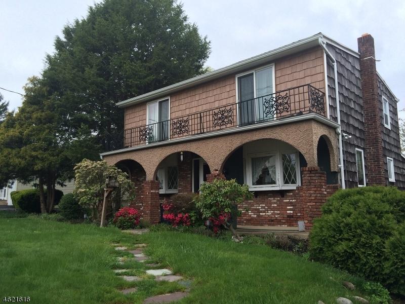 Частный односемейный дом для того Продажа на 492 Raritan Road Clark, Нью-Джерси 07066 Соединенные Штаты
