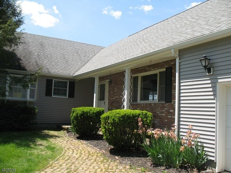 独户住宅 为 销售 在 26 Dalrymple Road Branchville, 07826 美国