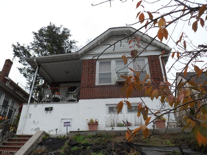 Casa Unifamiliar por un Venta en 70 Nolton Street Belleville, Nueva Jersey 07109 Estados Unidos