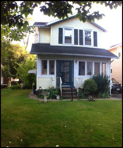 Maison unifamiliale pour l Vente à 64 Oak Ridge Avenue Nutley, New Jersey 07110 États-Unis