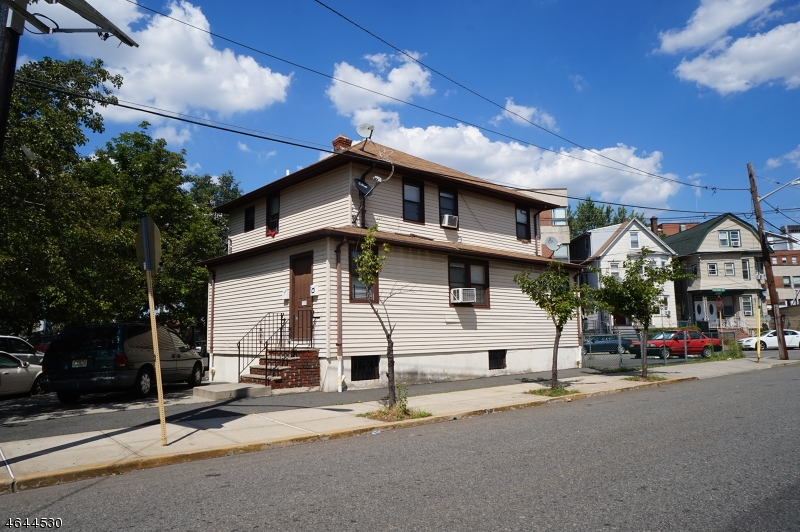 Additional photo for property listing at 659-663 NEW POINT Road  Elizabeth, New Jersey 07201 United States