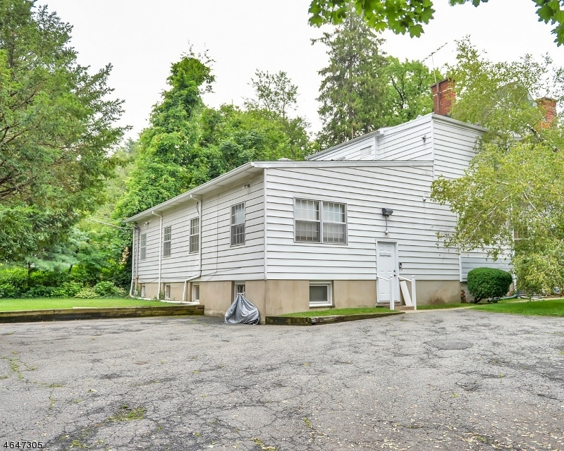 Additional photo for property listing at 21 Plymouth Street  Montclair, New Jersey 07042 United States