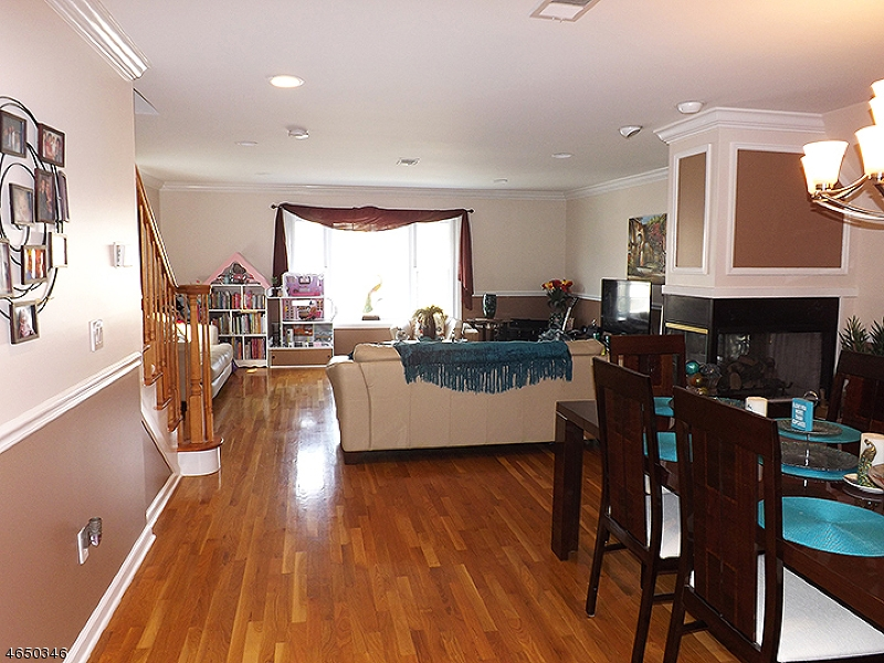 Additional photo for property listing at 21 Hancox Avenue  Nutley, Nueva Jersey 07110 Estados Unidos