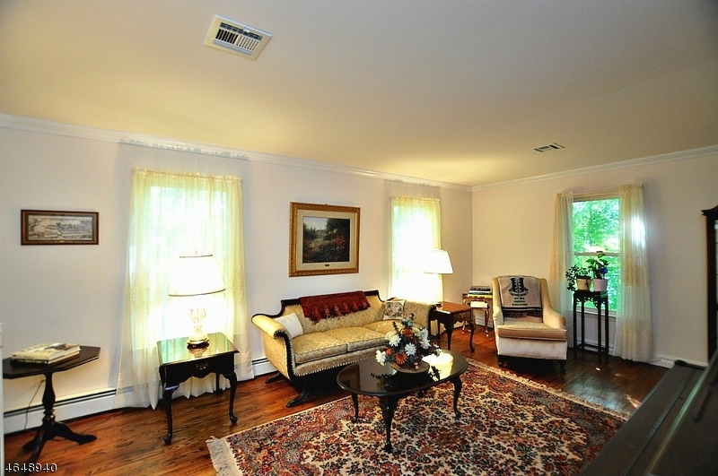 Additional photo for property listing at 330 Fairview Avenue  Long Valley, New Jersey 07853 États-Unis