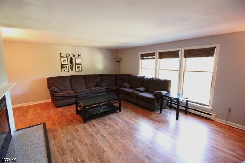 Additional photo for property listing at 21 Pima Court  Ringwood, New Jersey 07456 États-Unis