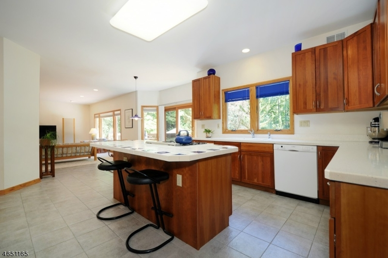 Additional photo for property listing at 1260 Sleepy Hollow Lane  Scotch Plains, New Jersey 07076 États-Unis