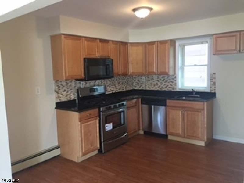Additional photo for property listing at 407 Belgrade Street  Avenel, New Jersey 07001 États-Unis