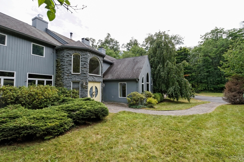 Additional photo for property listing at 31 N Four Bridges Road  Long Valley, New Jersey 07853 États-Unis