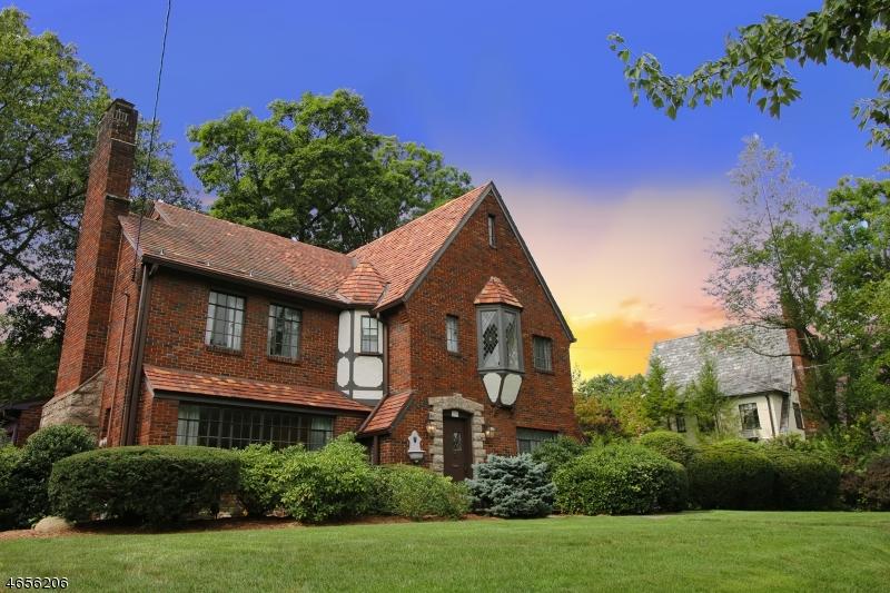 Частный односемейный дом для того Продажа на 266 Gardner Road Ridgewood, 07450 Соединенные Штаты