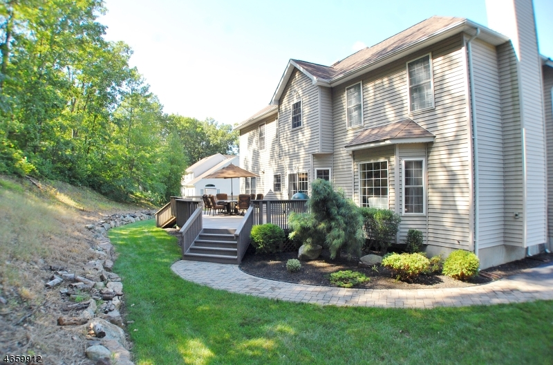 Additional photo for property listing at 6 Skyler Court  Oak Ridge, New Jersey 07438 États-Unis