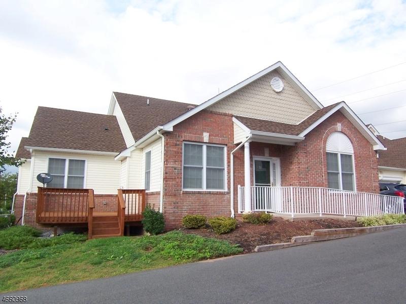 Casa Unifamiliar por un Venta en 74 Samson Drive Flemington, Nueva Jersey 08822 Estados Unidos