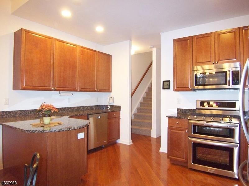 Additional photo for property listing at 74 Samson Drive  Flemington, Nueva Jersey 08822 Estados Unidos
