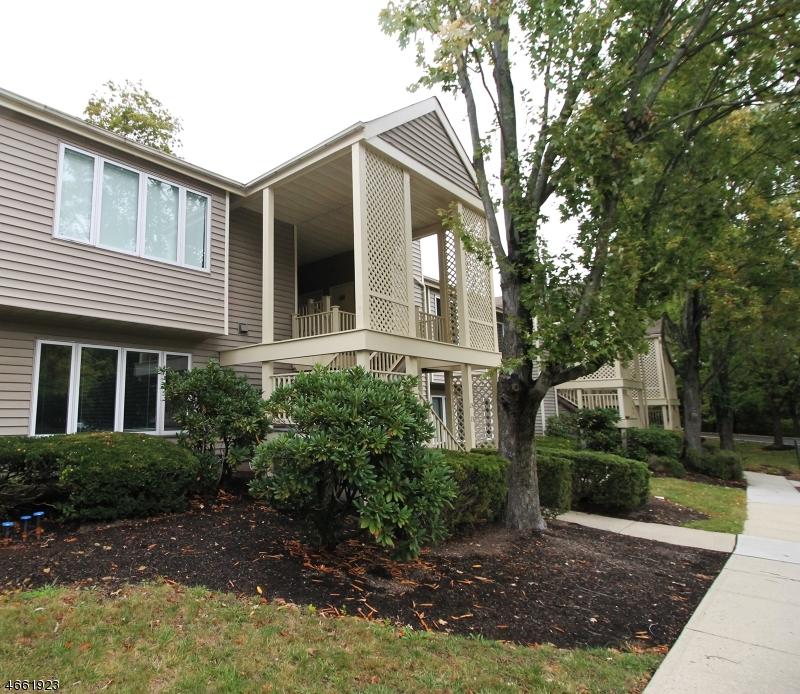 独户住宅 为 销售 在 26 Augusta Drive 安嫩戴尔, 新泽西州 08801 美国
