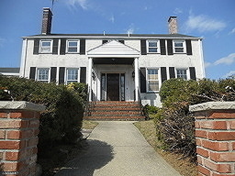 Частный односемейный дом для того Аренда на 95 TOTOWA Avenue Paterson, 07502 Соединенные Штаты