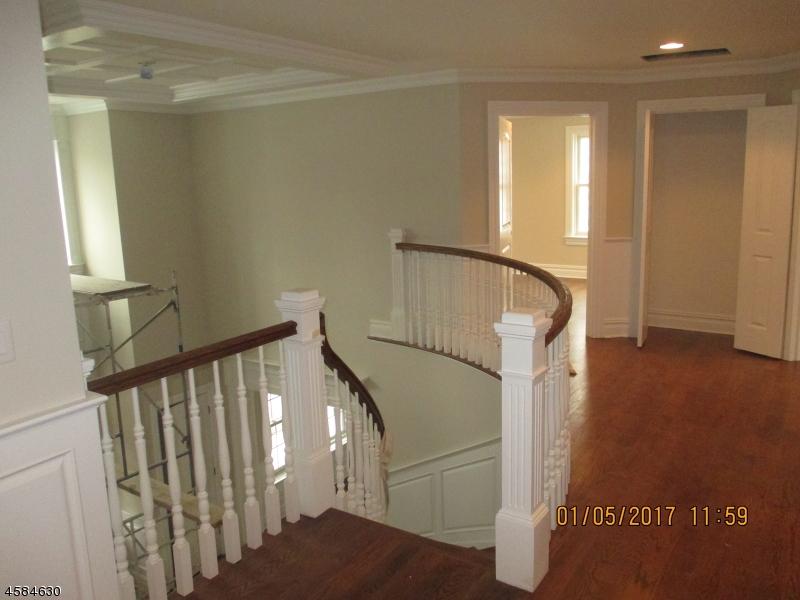 Additional photo for property listing at 9 Roosevelt Blvd  Florham Park, 新泽西州 07932 美国