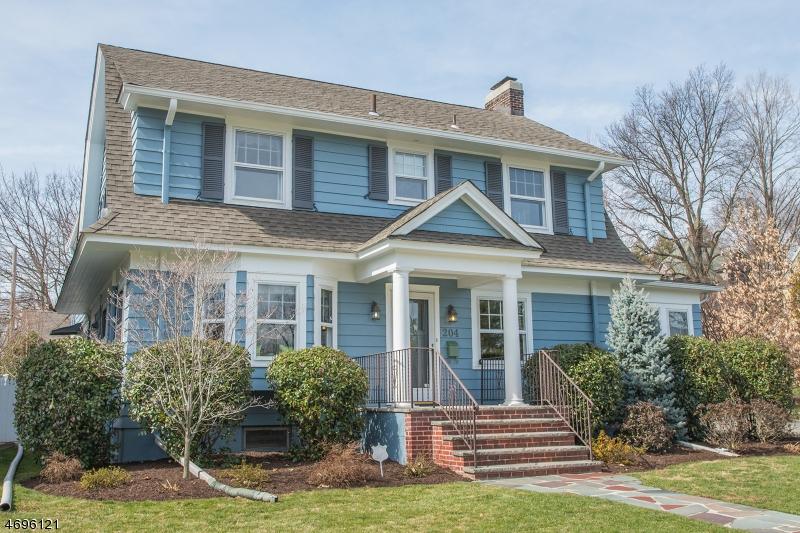 Maison unifamiliale pour l Vente à 204 Midland Avenue Glen Ridge, New Jersey 07028 États-Unis