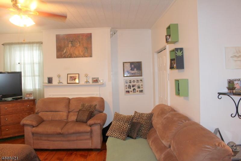 Casa Unifamiliar por un Alquiler en 420 Front Street - Apt 4 Belvidere, Nueva Jersey 07823 Estados Unidos