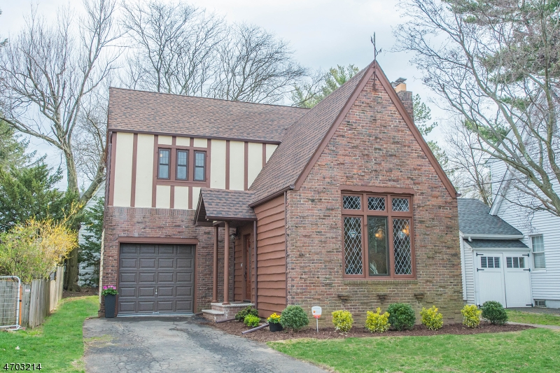 Single Family Home for Sale at 12 Claremont Place Bloomfield, 07003 United States
