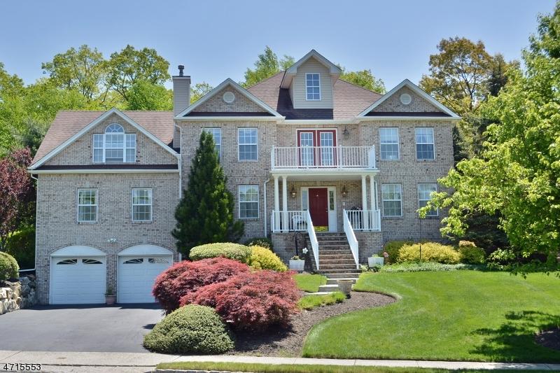 独户住宅 为 销售 在 4 Raleigh Court Rockaway, 07866 美国