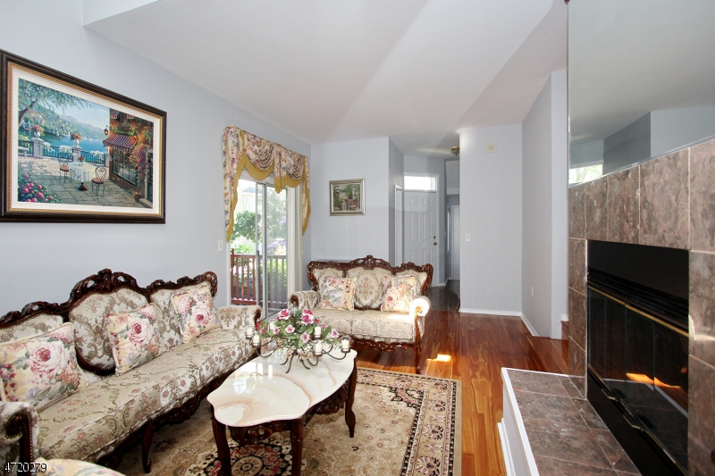 Additional photo for property listing at 262 Clarken Drive  West Orange, New Jersey 07052 Verenigde Staten