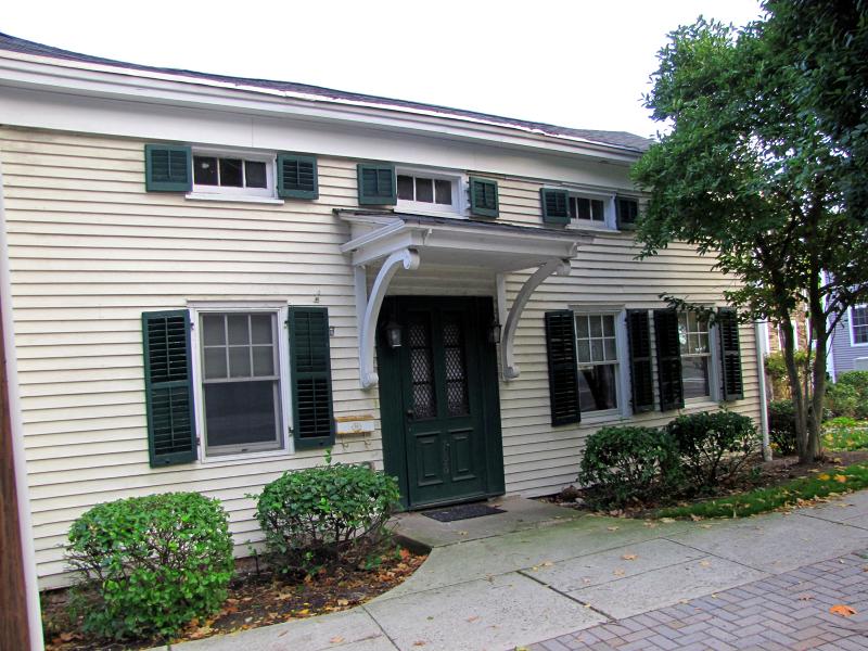 Casa Unifamiliar por un Venta en 788 Kinderkamack Road River Edge, Nueva Jersey 07661 Estados Unidos