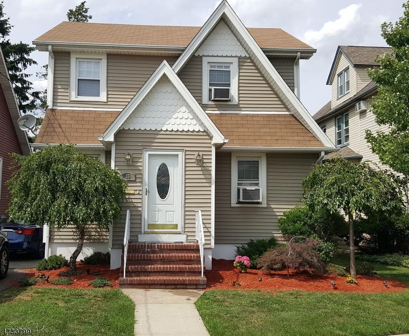 Casa Unifamiliar por un Venta en 16 Sunnyside Avenue Dumont, Nueva Jersey 07628 Estados Unidos