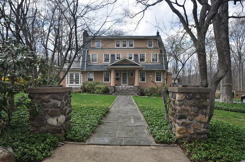Частный односемейный дом для того Аренда на 5 CRESTVIEW Road Mountain Lakes, Нью-Джерси 07046 Соединенные Штаты