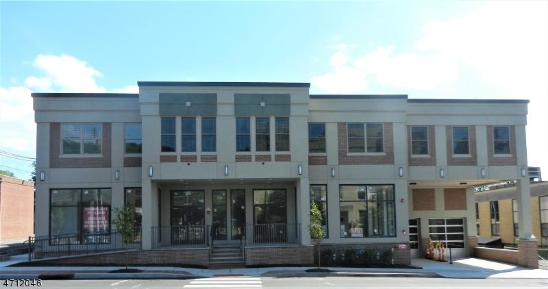 Частный односемейный дом для того Аренда на 296 Millburn Avenue Millburn, Нью-Джерси 07041 Соединенные Штаты