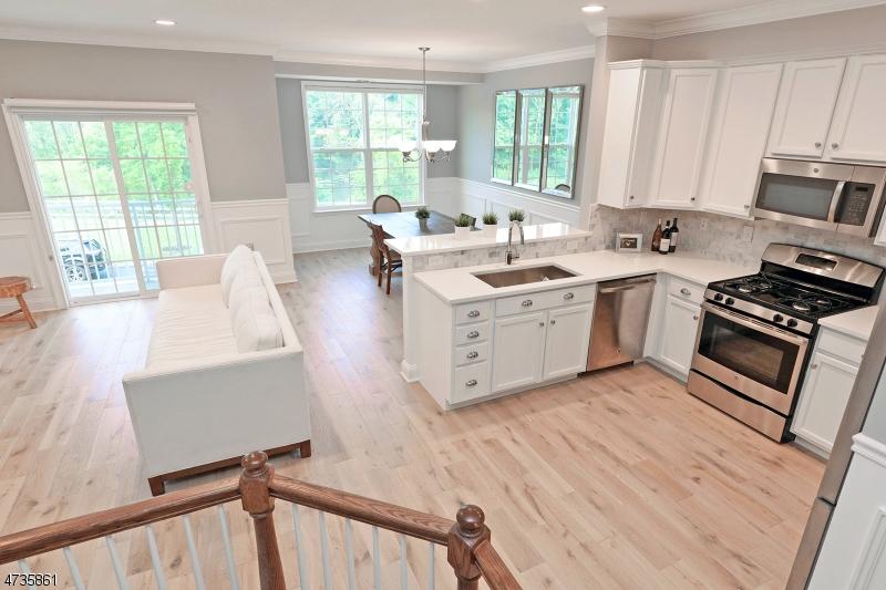 Casa Unifamiliar por un Alquiler en 504 Waterview Court Cedar Knolls, Nueva Jersey 07927 Estados Unidos