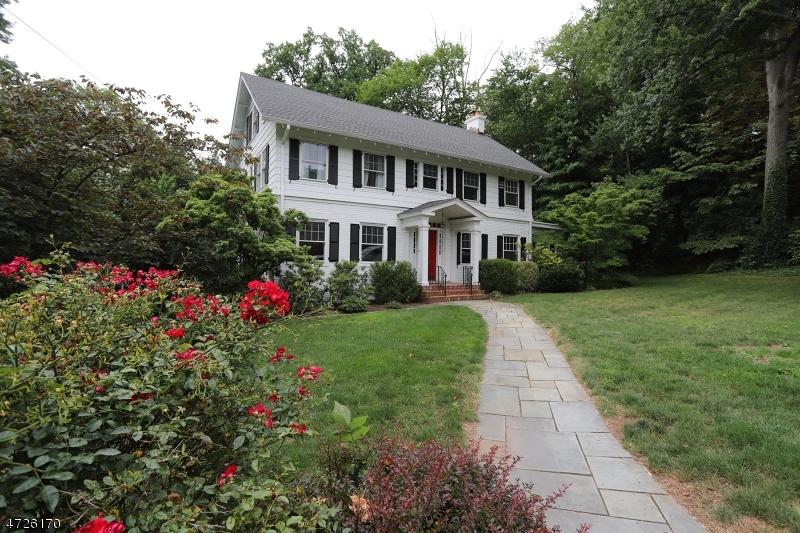 Частный односемейный дом для того Продажа на 58-60 EUCLID Avenue Maplewood, Нью-Джерси 07040 Соединенные Штаты