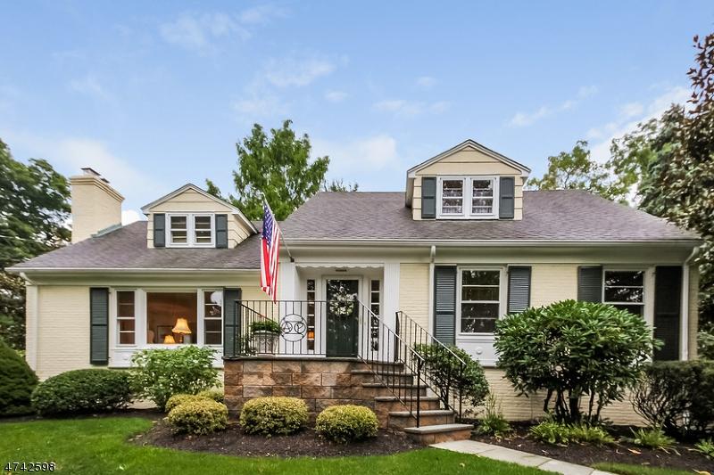 獨棟家庭住宅 為 出售 在 15 Highland Avenue 15 Highland Avenue Chatham, 新澤西州 07928 美國