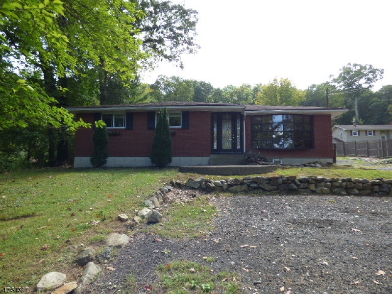 Maison unifamiliale pour l Vente à 396 Mountain Lake Road Great Meadows, New Jersey 07838 États-Unis