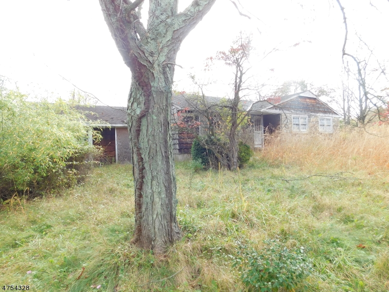 Additional photo for property listing at 149 Sergeantsville Road 149 Sergeantsville Road Raritan Township, New Jersey 08822 Stati Uniti