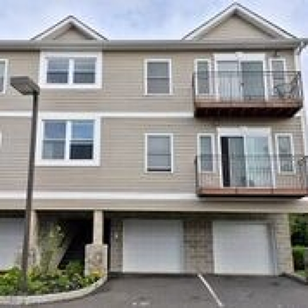 Частный односемейный дом для того Аренда на 333 CARLISLE Avenue Paterson, Нью-Джерси 07501 Соединенные Штаты