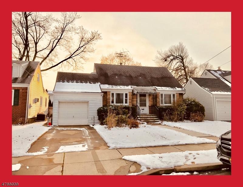 واحد منزل الأسرة للـ Sale في 35 Edison Street 35 Edison Street Clifton, New Jersey 07013 United States