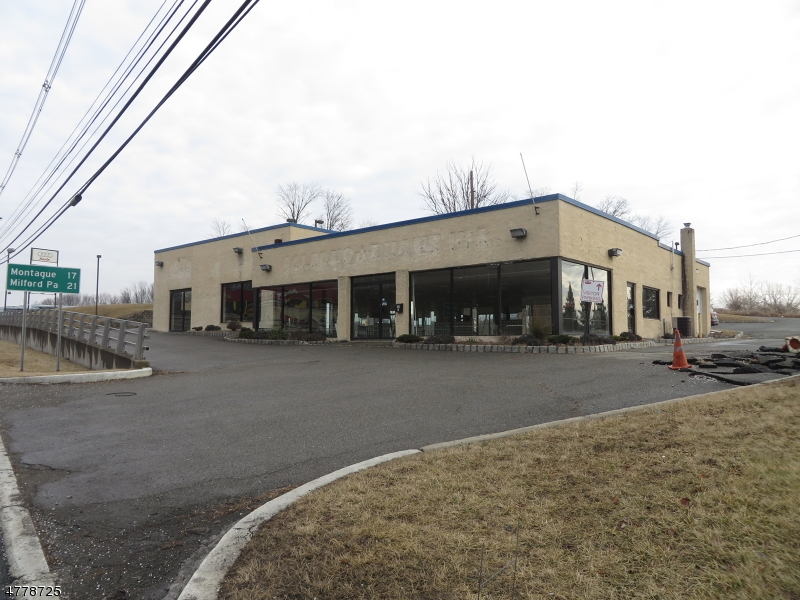 Commercial for Sale at 30 HAMPTON HSE RD ROUTE 206 Hampton, New Jersey 07822 United States