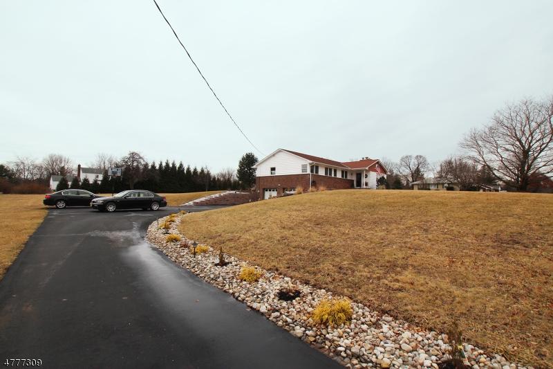 Maison unifamiliale pour l Vente à 166 Voorhees Corner Road Flemington, New Jersey 08822 États-Unis