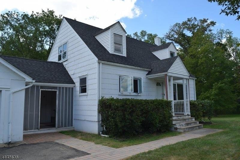Villa per Vendita alle ore 1110 Route 173 1110 Route 173 Asbury, New Jersey 08802 Stati Uniti