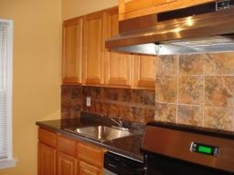 Casa Unifamiliar por un Alquiler en 245 Passaic Avenue Passaic, Nueva Jersey 07055 Estados Unidos