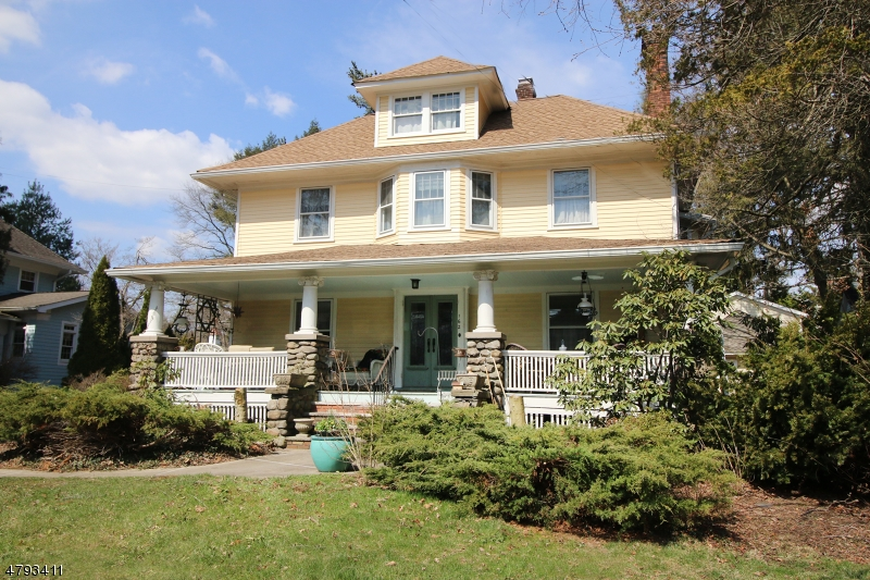 Single Family Home for Sale at 162 Lincoln Avenue Ridgewood, New Jersey 07450 United States