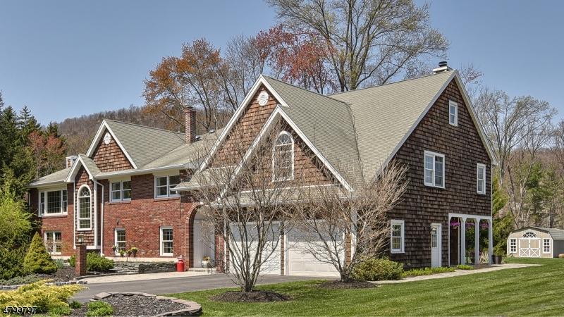 Villa per Vendita alle ore 24 Foothills Drive Pequannock, New Jersey 07444 Stati Uniti