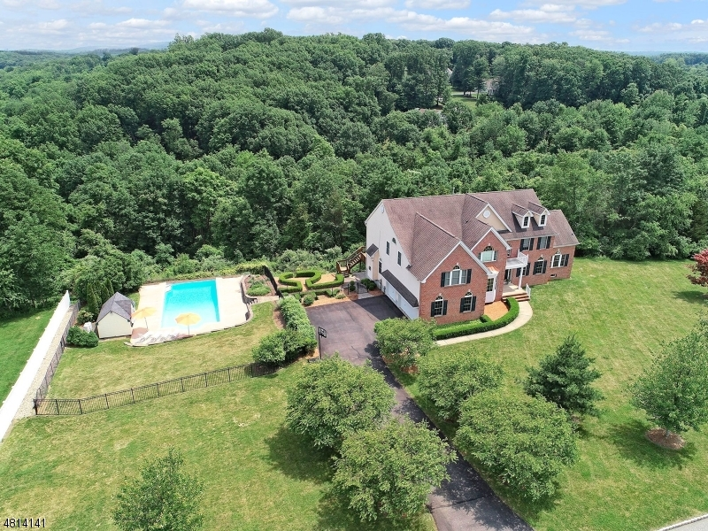 Single Family Home for Sale at 22 Hill and Dale Drive Union, New Jersey 08867 United States